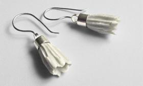 Ohrhänger mit Porzellanblüten
