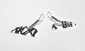 Ohrhänger – Schwarze Intarsienfäden