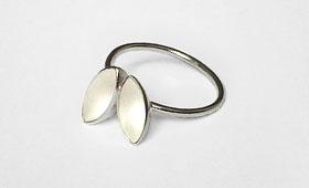 Ring – Zwei ovale  Körper