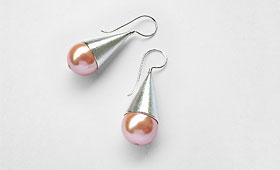 Ohrhänger – Rosafarbene Perle