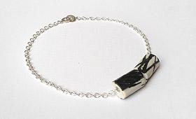 Armband – Porzellanrohr mit Silberkette