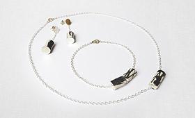 Ensemble – Porzellanrohr mit Silberkette