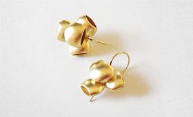 Ohrhänger – Vier Näpfe vergoldet